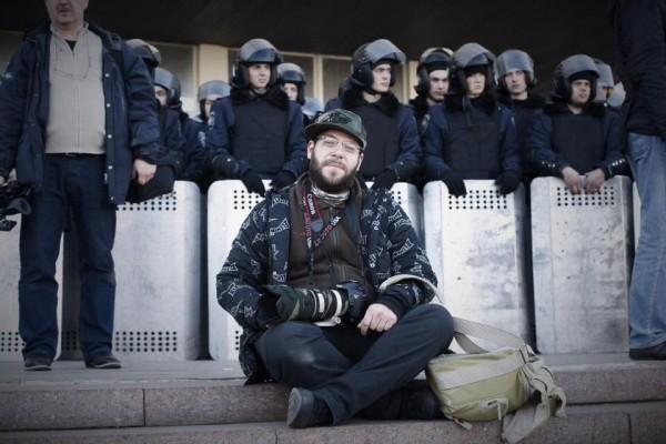 Diskusia s vojnovým fotografom Jánom Husárom